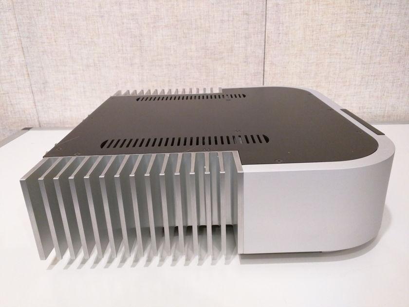 Classe CA-2100 Stereo 2 x 100w power amplifier