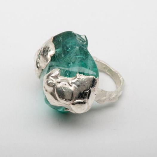 Кольцо из зеленого стекла Лазурит