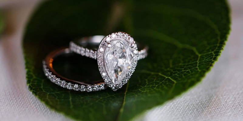 Insuring Your Engagement Ring - Should You?