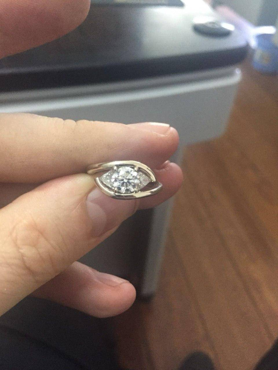 Antoine`s fiancée's engagement ring