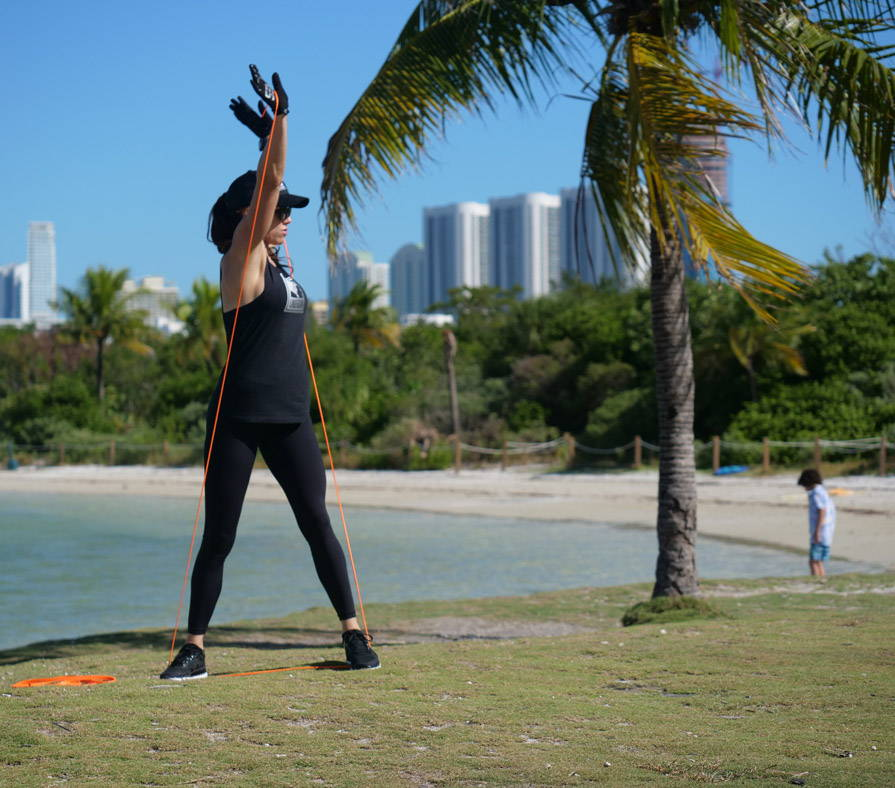 TA2 resistance bands workout with Annik Nayler