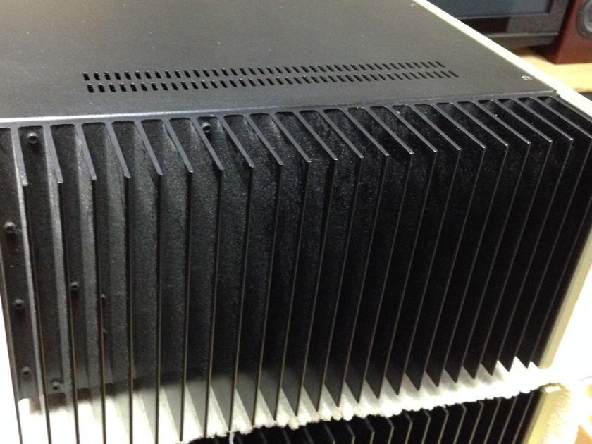 Conrad Johnson MF5600 Rare 5 Channel Amp