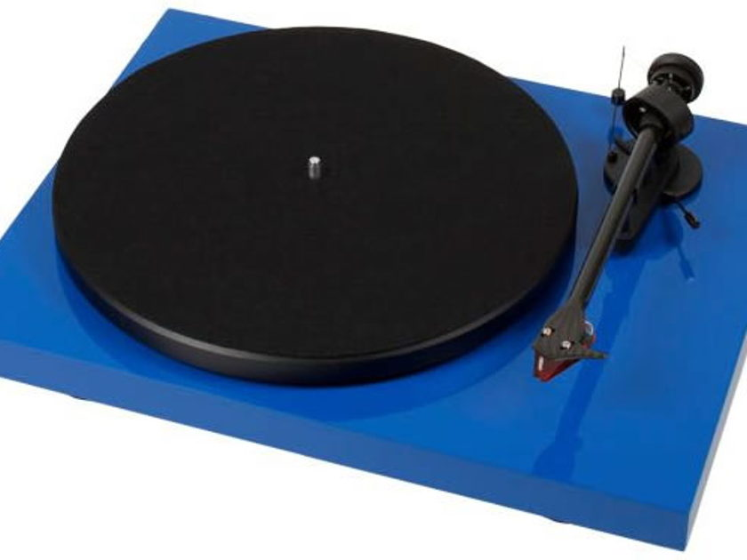Pro-Ject Debut Carbon Esprit  Brand New