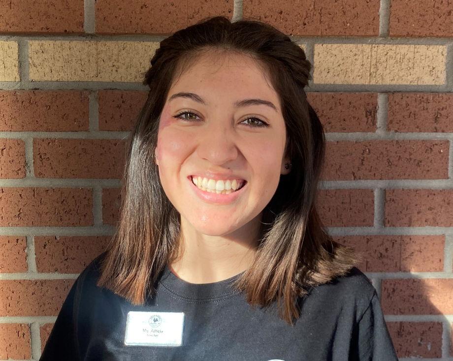 Stephanie Arriola , Floater
