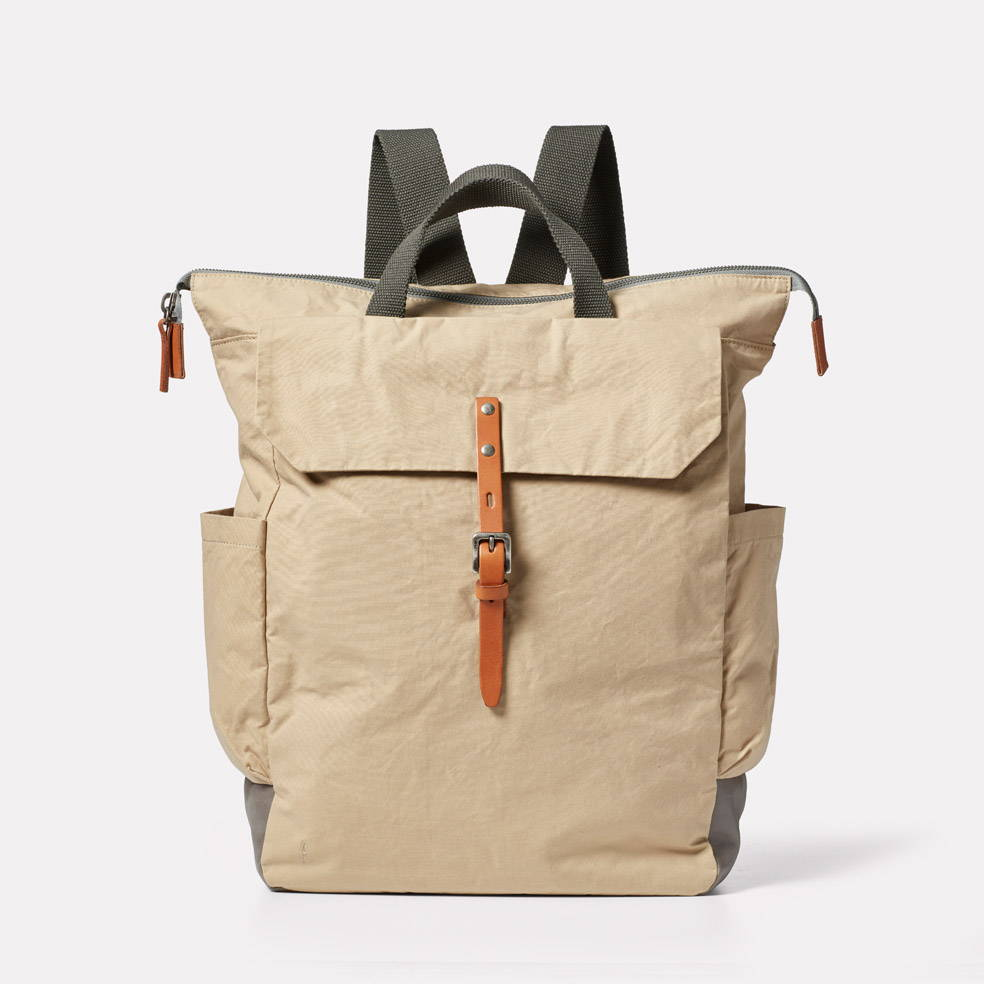 Fin Waxed Cotton Backpack in Putty