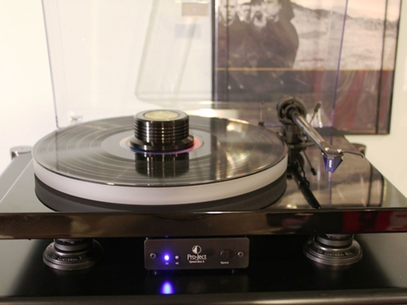 Pro-Ject Xpression III Turntable with 2M Blue