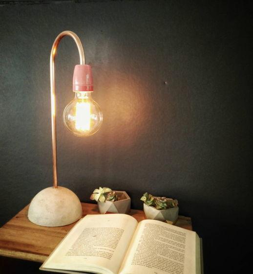 """Настольная лампа """"Фуксия"""""""