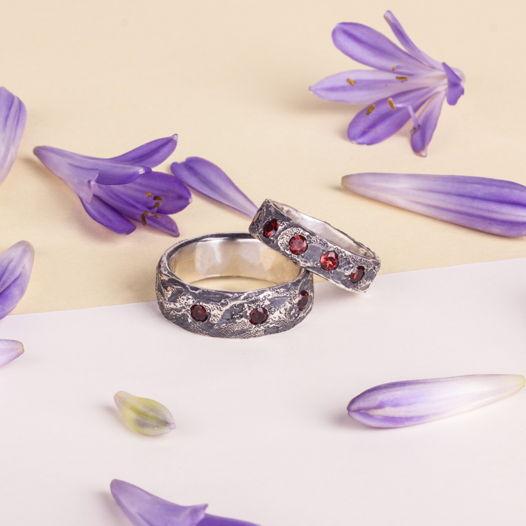 Серебряные обручальные кольца с натуральными камнями