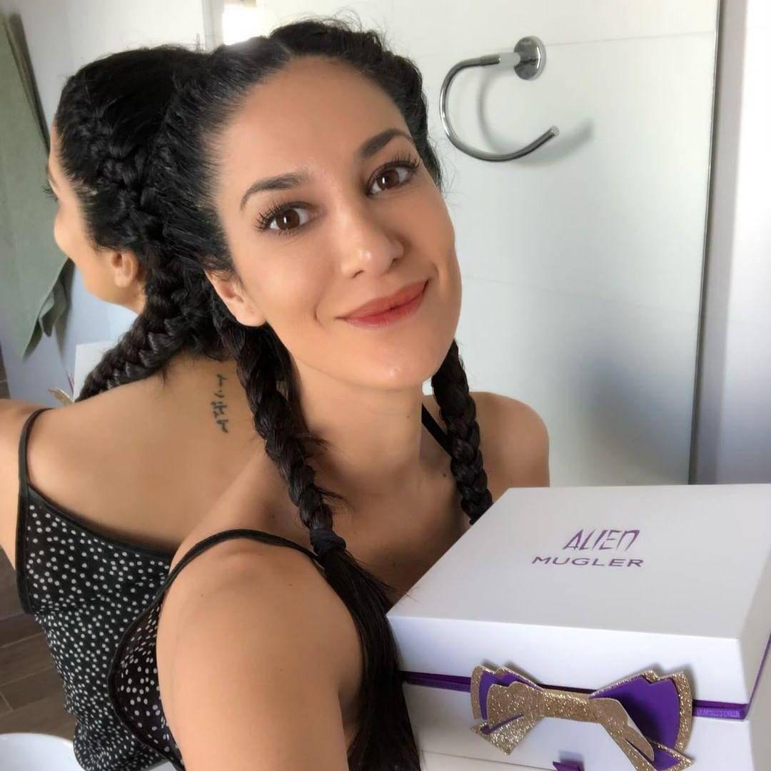 Silvina Escudero compra sus perfumes en Club de Fragancias