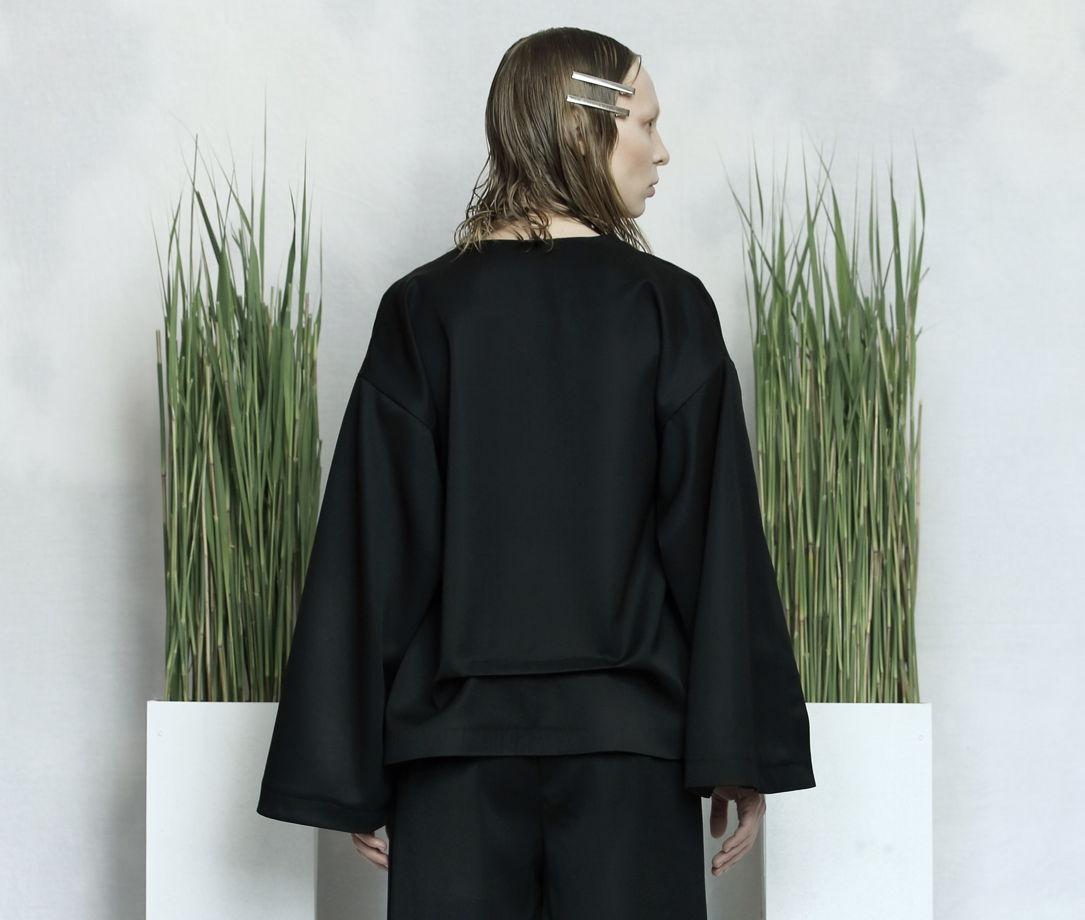 Чёрный жакет из 100% шерсти