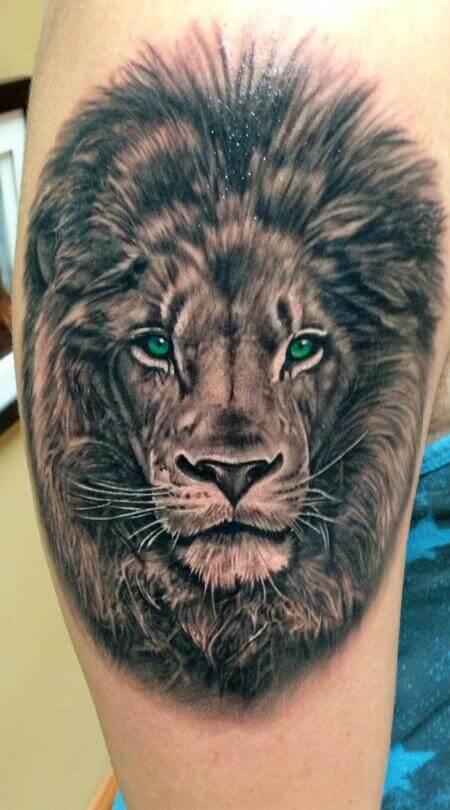 Tatouage Tete De Lion Pectoraux