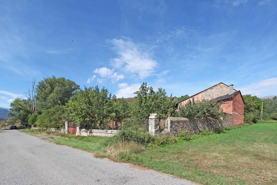 Puigcerdà - Farmhouse to refurbish in Isòvol, Cerdanya