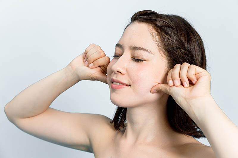 Korean facial massage