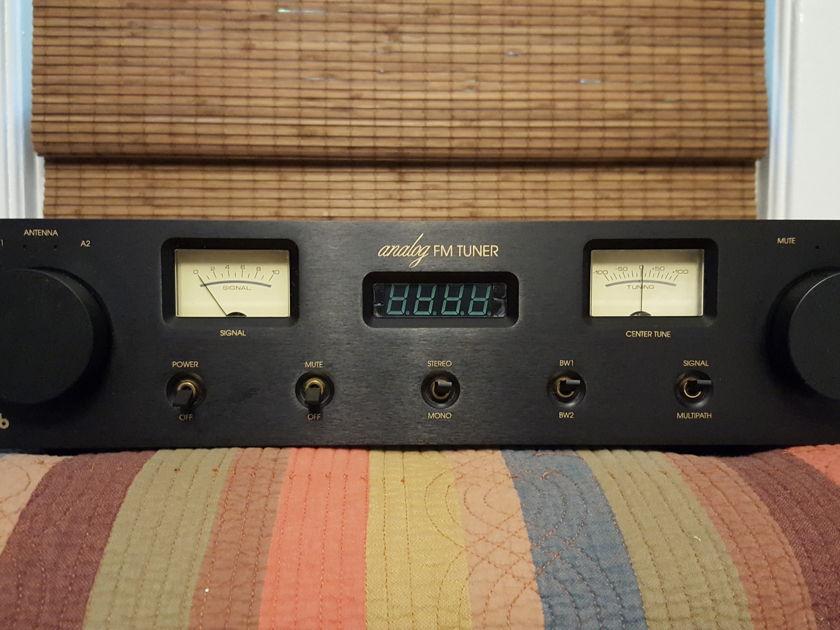 Magnum Dynalab MD 102 Analog FM Tuner : Trades OK