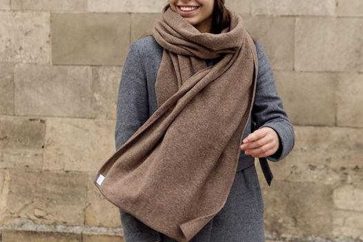 Шерстяной шарф Friend Function Антилоповый