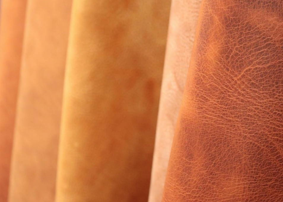 Samples of vegetable-tanned Italian leather
