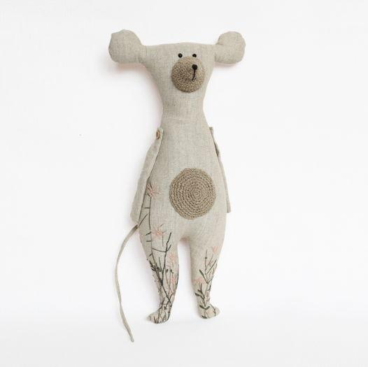 Мышь с вышивкой