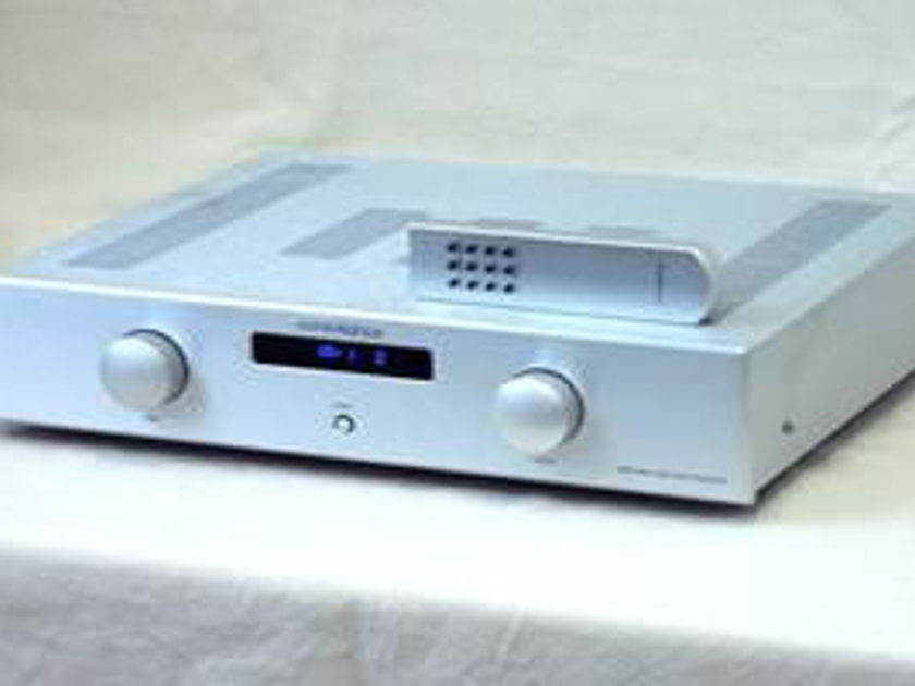 Consonance  A 100 linear Integrared  90 wpc integrated Amp