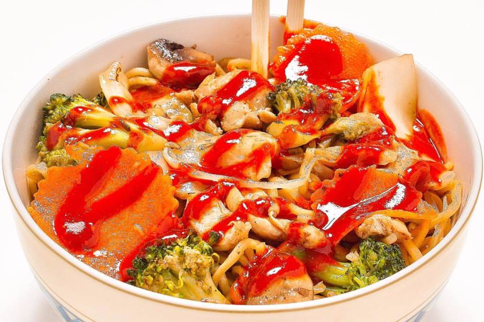 chicken stir fry noodles with kpop sauce