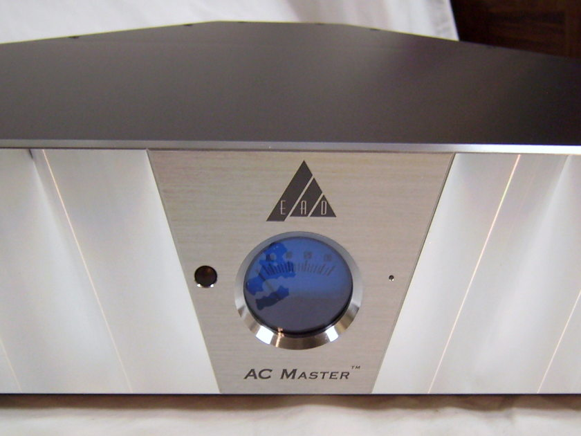 EAD (ENLIGHTENED AUDIO DESIGN) AC MASTER 8000 power conditioner