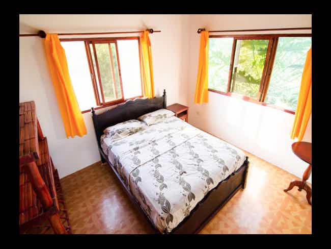 Beautiful Hostel For Sale !!-Montañita