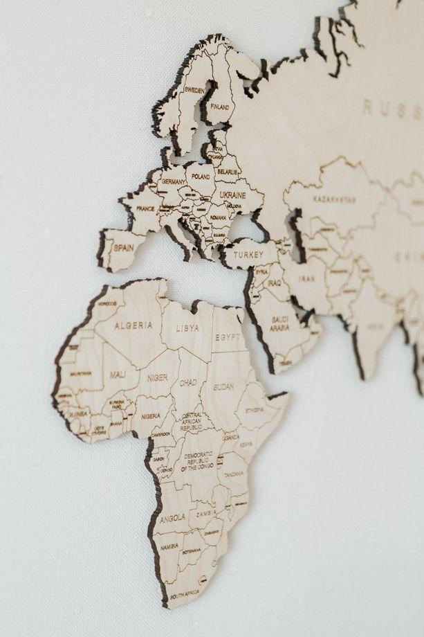 Большая деревянная карта Мира