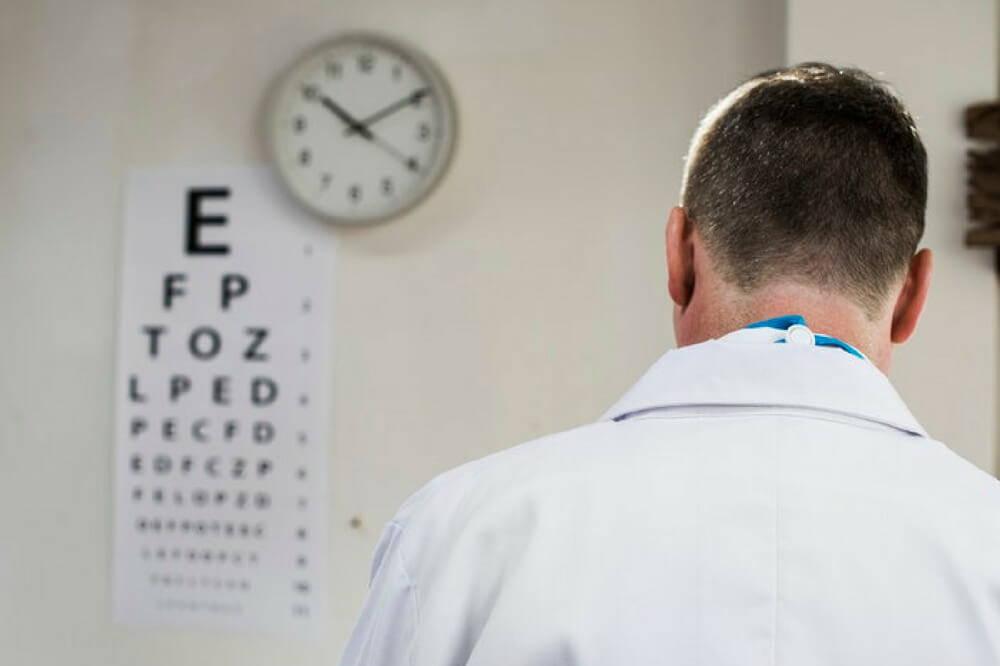 optometrist-vs-ophthalmologist
