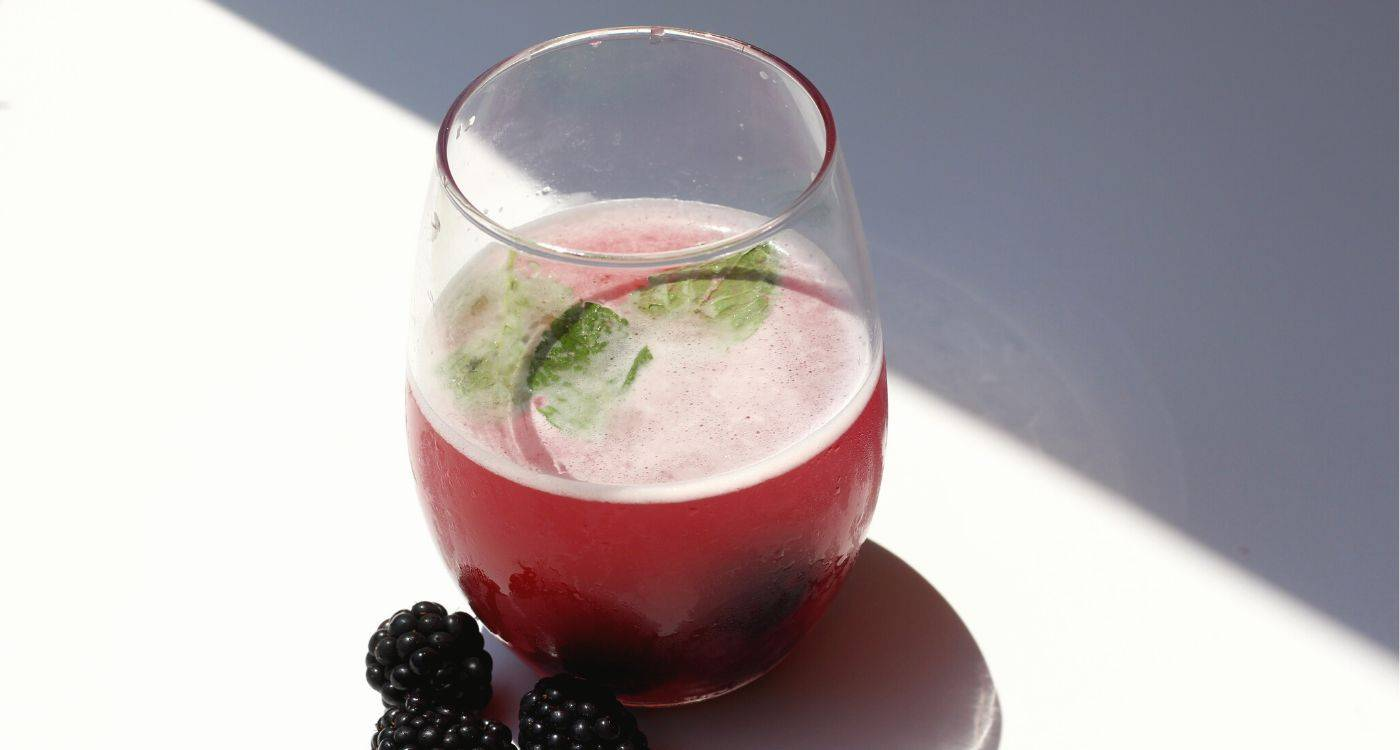 black-raspberry-pomegranate-sparkling-water-recipe