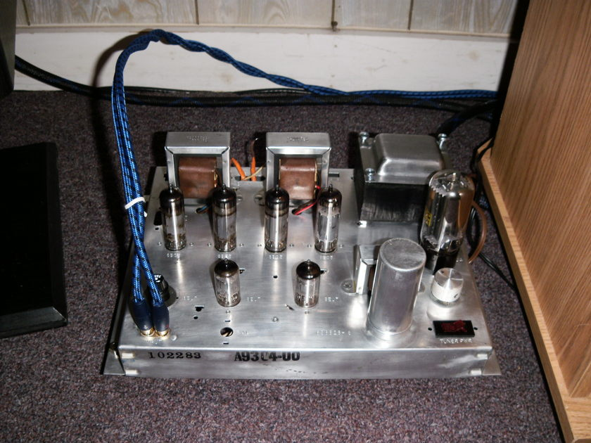 Magnavox  A9304 tube amp