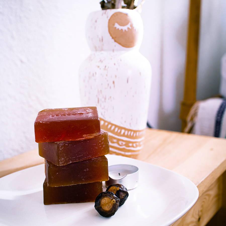 Seed Legend Berry Bar - organic face wash