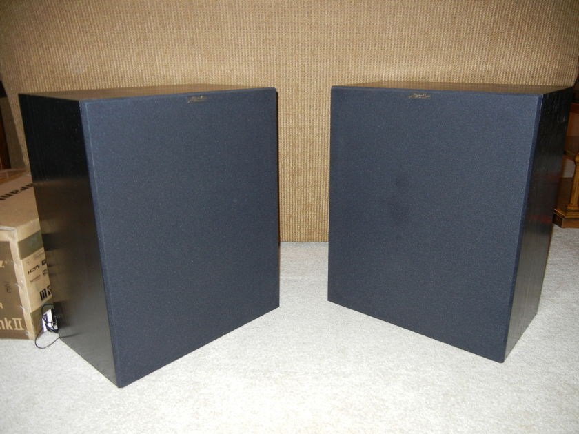 Snell SUB S/12 Two original. Great cabinets