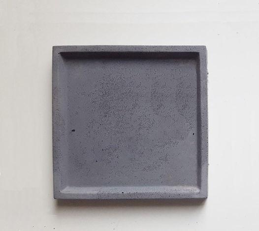 Тарелочка квадратная  размер М