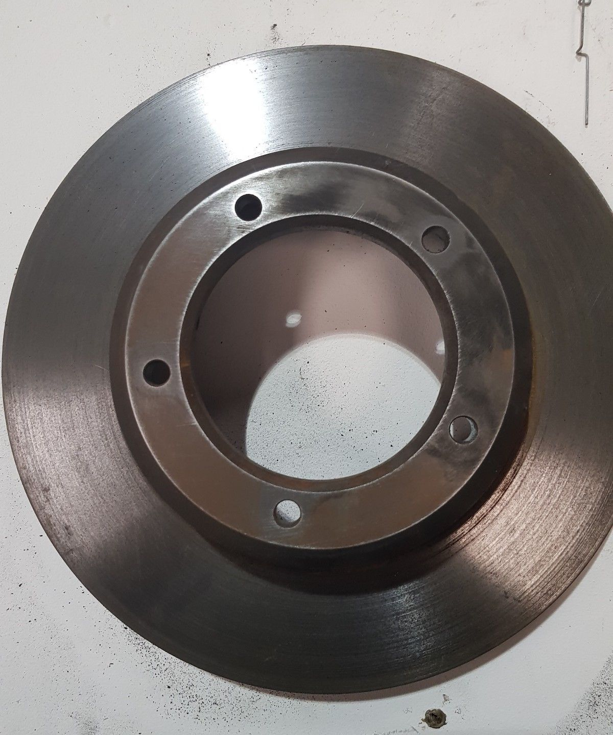 LAND ROVER DEFENDER FRONT DISCS VENTED (pair) LR017952's featured image