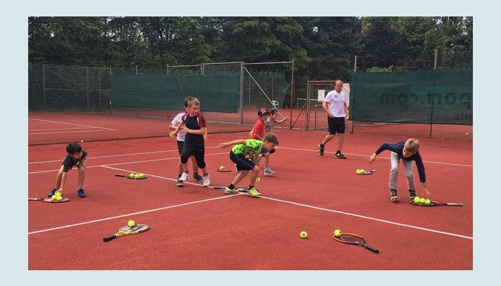 tennis academy wiesbaden kindergeburtstag training