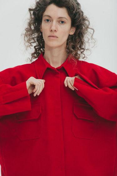 Куртка-рубашка из шерстяного сукна *алая* oversize, необработанные края