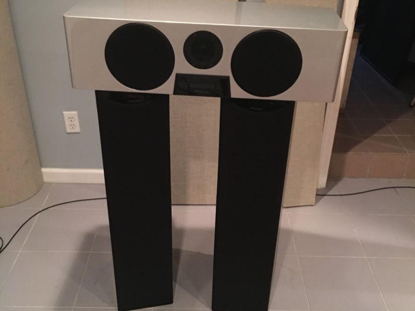 Meridian  DSP5000 & DSP5200HC Digital Speakers