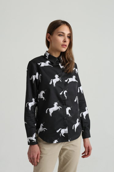 Рубашка черная с единорогами