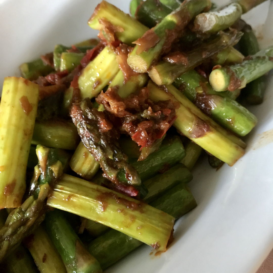 Instead of water spinach/kangkung, use asparagus.