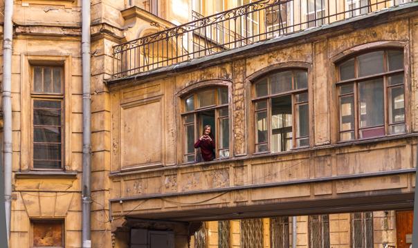 Доходные дома Петербурга: изнутри и снаружи