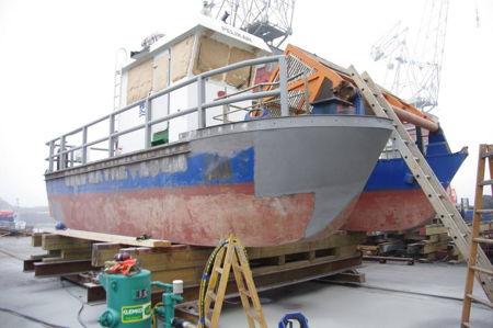 Sandblåsing og sprøytemaling av Pelikan for Oslo havnevesen bilde