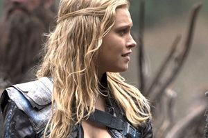 Clarke Griffin, Bisexual: CW's The 100 and Dystopian Future at Its Finest