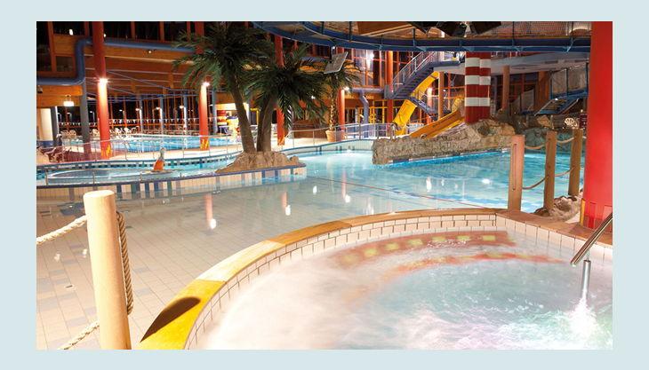 bg wonnemar sonthofen erlebnisbad innen halle treppen pools