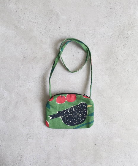 Детская сумочка с птицей в вишневом саду