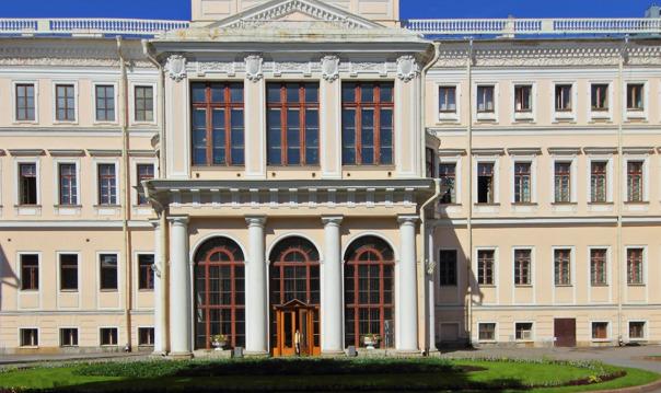 Императорские и великокняжеские дворцы Санкт-Петербурга