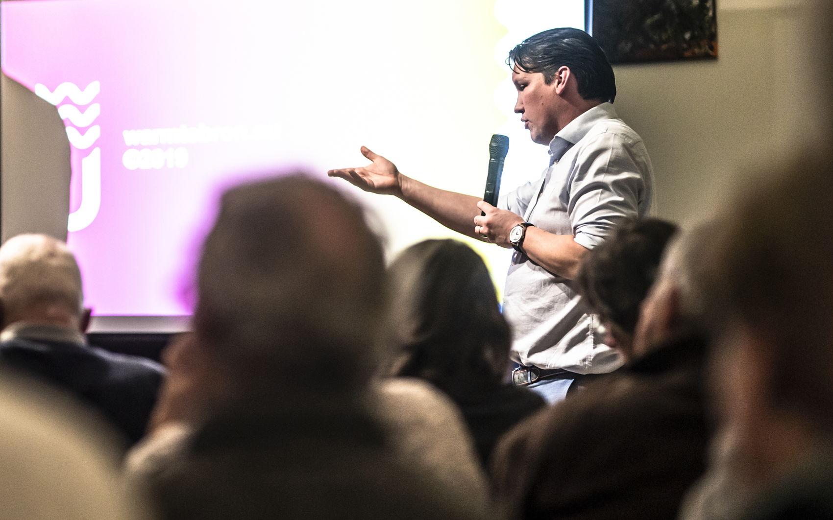 Projectmanager Joris Peijster geeft een toelichting over onderzoeksproject Lean.