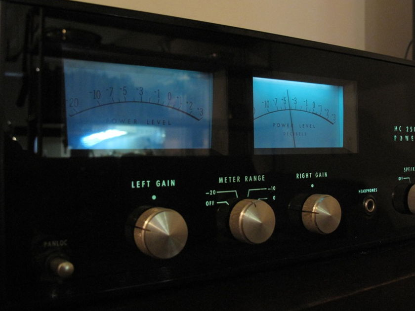McIntosh MC 2505 Solid State Power Amplifier