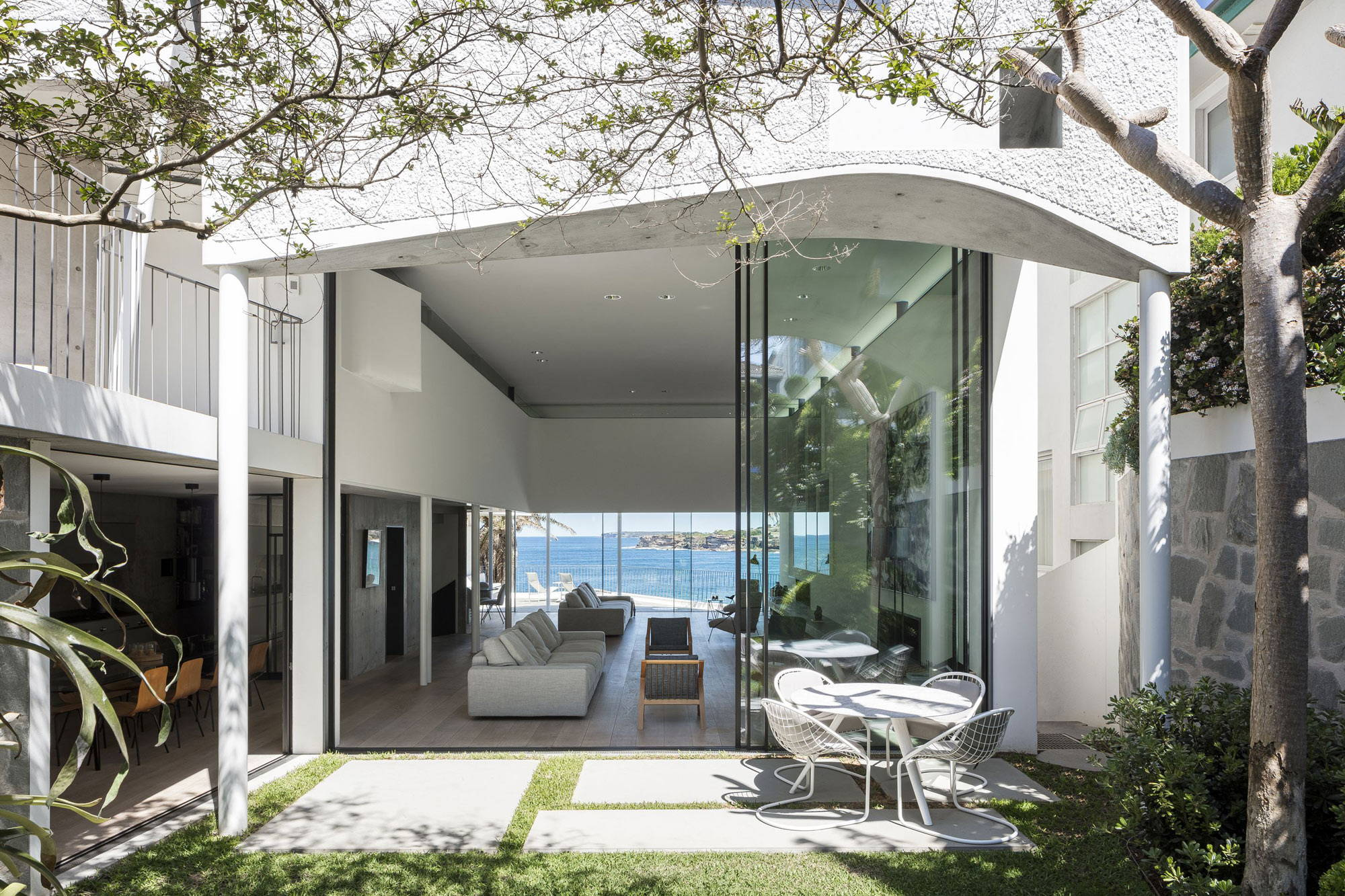 Contempo | CRAFTED FOR LIGHT | TAMARAMA HOUSE