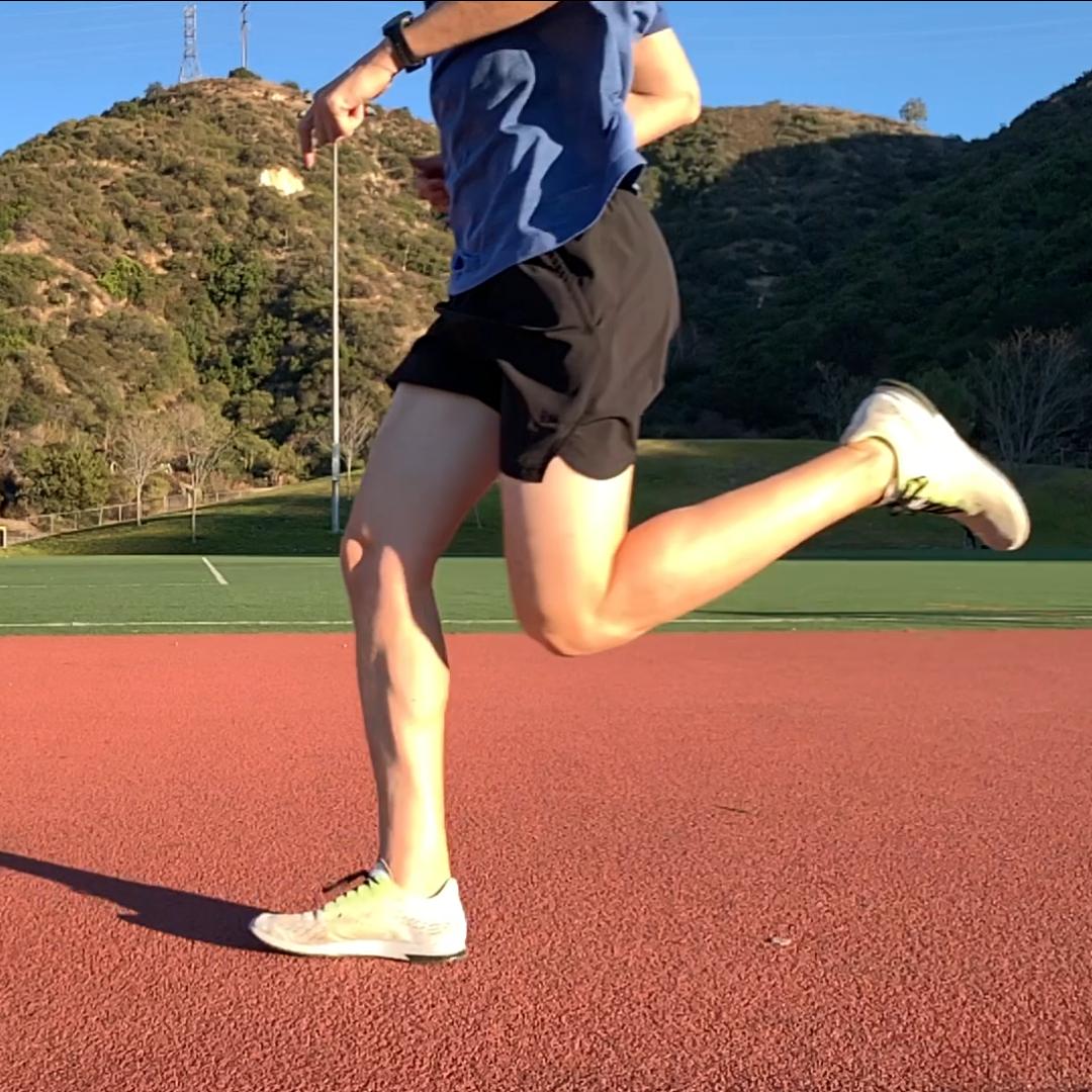runner midfoot strike at ground contact running mechanics