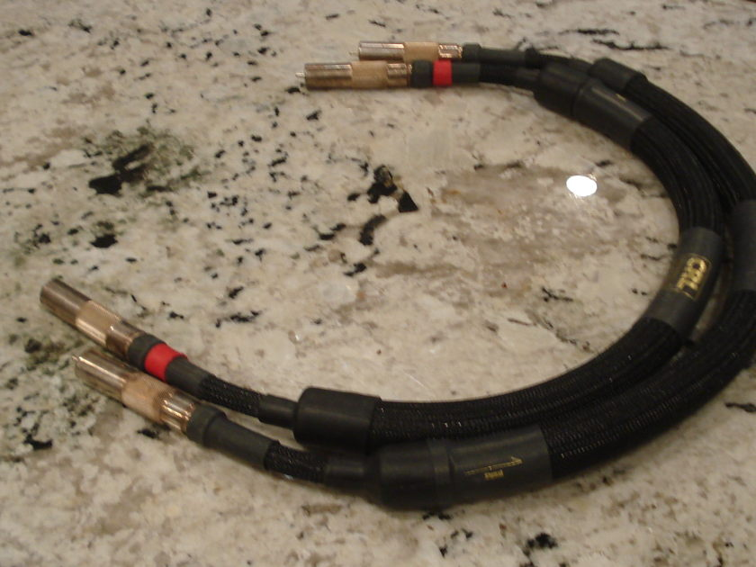 CRL Cable Research Lab Gold 1 meter pair of RCA cables