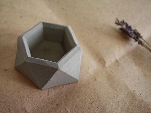 Подсвечник / вазочка Углы из бетона | коллекция basic